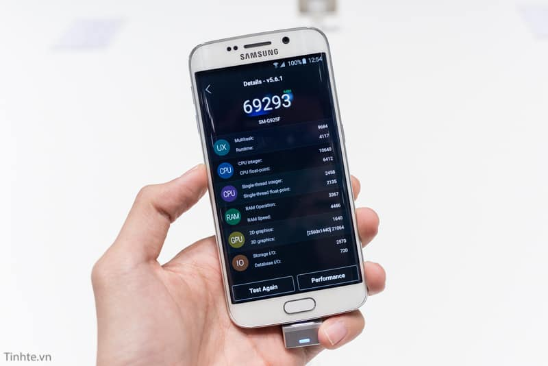 Antutu benchmark of Samsung Galaxy S6 Edge