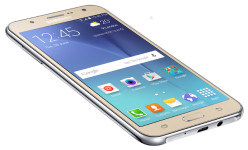 Samsung Galaxy J7 review: LED flashes for both cams