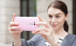 """Top smartphones coming with """"beautify"""" mode for selfies"""