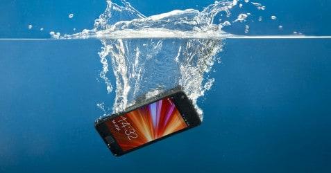 water damaged phone (2)